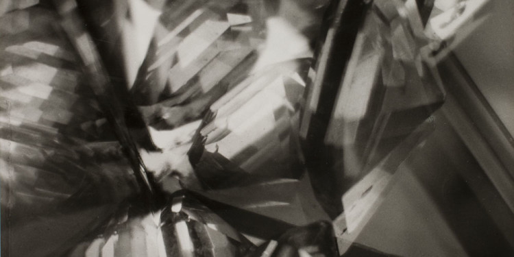 Licht-Bilder: Fritz Winter and Abstract Photography Alvin Langdon Coburn, Vortograph, 1917 (1962), Gelatin Silver Print, 30,6 x 25,5 cm George Eastman House, Rochester, New York © Courtesy of George Eastman House, International Museum of Photography and Film