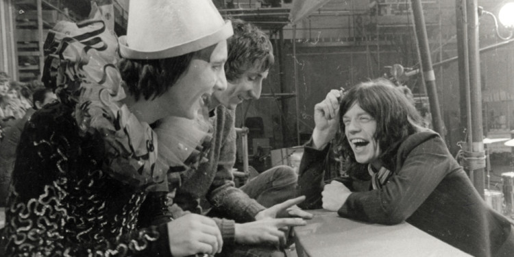 The Rolling Stones Rock and Roll Circus. 1968/1996. Directed by Michael Lindsay-Hogg. Pictured: Keith Moon, Pete Townsend, Mick Jagger. Courtesy ABKCO Music & Records.