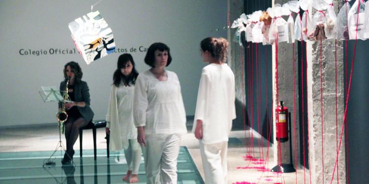 PERFORMANCE CANTO XI. María Jesús Cueto (performers: Mª Jesús Cueto, Iria Fdez. Araujo, Ilenia Bartolone, Patricia Alonso y Arantxa Garrido)