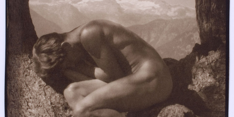 Rudolf Koppitz: In the lap of Nature, self portrait, c. 1923. Münchener Stadtmuseum / Sammlung Fotografie