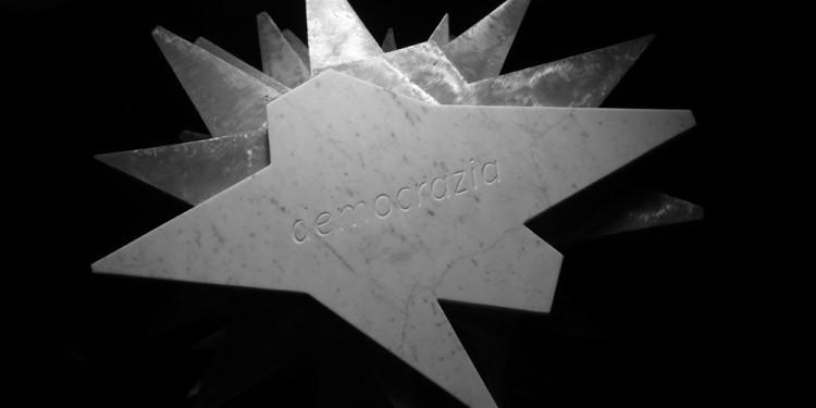 FRANCO IONDA, Democracy, 2012/2013, cm 70x44x3, 33 beheaded white of Carrara marble stars