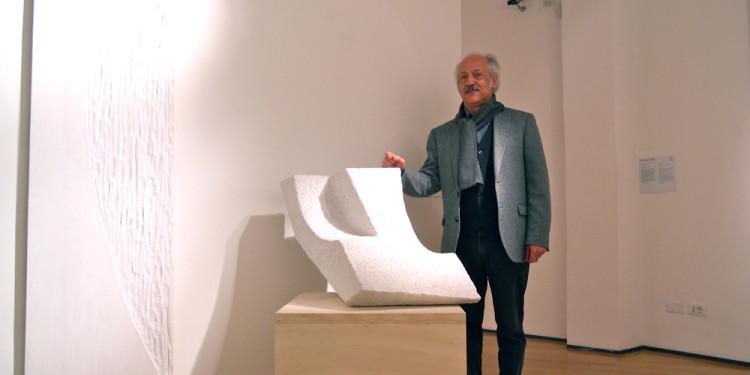 PAOLO DI CAPUA, Suspended Space, 1988, cm 52 (h), Marmo / Marble di / of Pietrasanta
