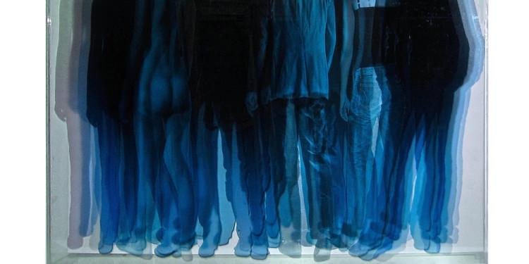 NON LUOGHI, Vincenzo Ceccato - SEZIONI SPAZIO-2013-Serigrafia su plexi e su tela con neon-cm.97x91