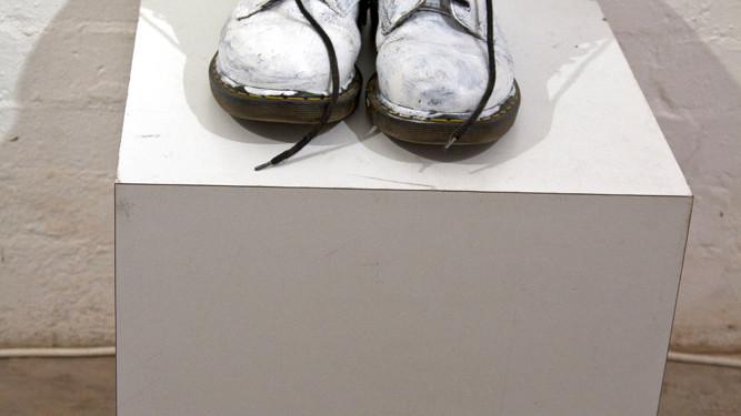 Graham MacKeachan - Performing Boots